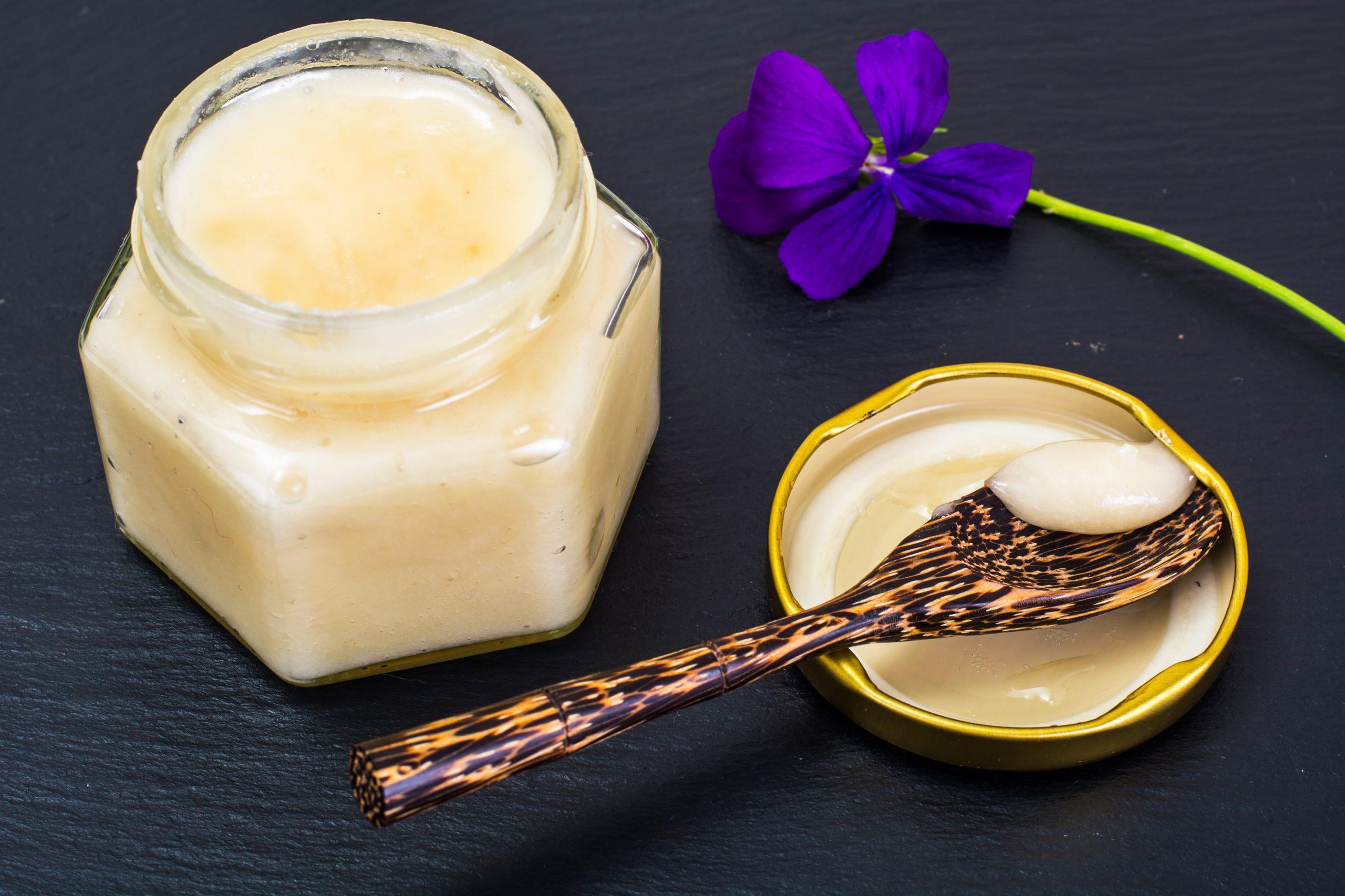 serving creamy creamed honey